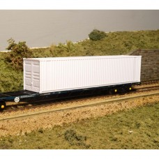"OO gauge 40ft x 8'6"" old style with advertising panel , this model includes locking bars"